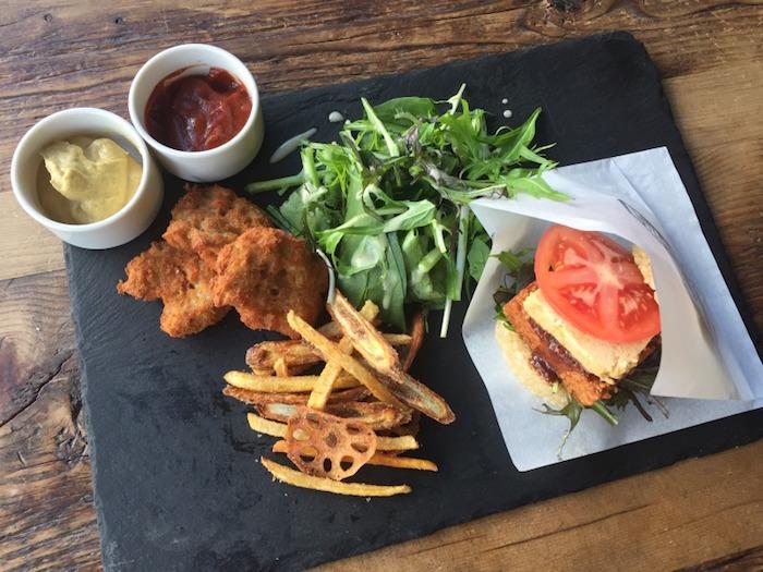 要吃全素漢堡的話就到這裡!ORGANIC TABLE BY LAPAZ【外苑前】