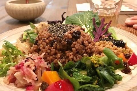 綠葉和花之路的盡頭,療癒人心的素食咖啡廳!駒澤vegebon【駒澤大學】
