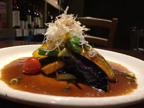 以酒屋為始,可以同時享受到美酒和純素美食的天然飲食餐廳!Mikawaya【目白】