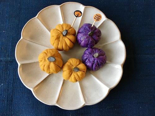 ハロウィンにも普段の惣菜にも。子どもたちも大喜びのかぼちゃと紫じゃがいものサラダ〜お家で簡単!ベジごはん〜