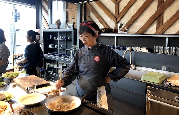 【1/28】西邨マユミさんと作ってたのしむ♪ 新春ダイエットや免疫力UPに!キノコのスープとテンペのりんごジュース煮&お茶会@Zoom