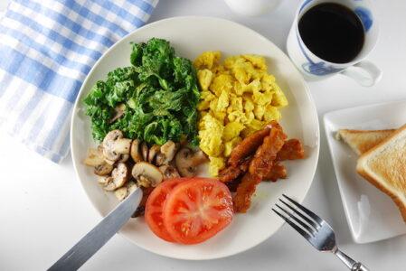気分爆上がり♫ 週末のブランチにカラフルな朝食プレート
